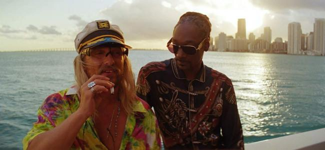 "In ""The Beach Bum"", Matthew McConaughey plays a pot-smoking poet in Miami"